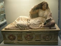 sarcofago di thanunia seianti, 150-130 ac