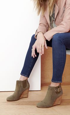 Suede wedge booties in army green