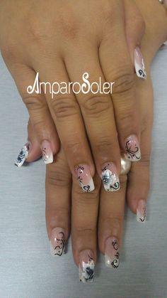 Uñas acrílicas con punta en White HD, Cover HD, Vibrant pink y A Polymer