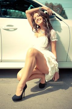 Beautiful Girls With Cars and Motorcycles - Bellas Mujeres Con Coches y Motos - Girls Washing Cars - Cars - Coches - Bikes - Motos Car Girls, Pin Up Girls, Sexy Cars, Sexy Dresses, Short Dresses, Beauty Women, Strapless Dress, Sexy Women, White Dress