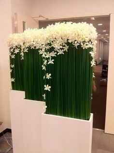 Office arrangement with Dendrobium Orchids and Steel Grass Decoration Buffet, Stage Decorations, Flower Decorations, Wedding Decorations, Flower Centerpieces, Ikebana, Deco Floral, Arte Floral, Hotel Flowers