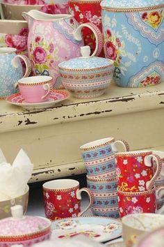 Porzellan Geschirr-Shabby chic-florale motive-frühlingshaft