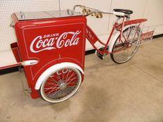 Coca Cola Bike-- Fun way to store drinks at a vintage themed wedding Coca Cola Decor, Coca Cola Drink, Coca Cola Ad, Always Coca Cola, World Of Coca Cola, Coca Cola Bottles, Coca Cola Vintage, Mountain Dew, Kitchen Gadgets
