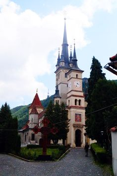 Exploring the Schei district - Brasov, Romania - The Brave Dame(mixture of gothic and romanic style). The Beautiful Country, Beautiful World, Romanian Castles, Knights Hospitaller, Brasov Romania, European City Breaks, Romania Travel, Central And Eastern Europe, Travel Europe