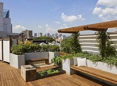 Garden with decking roof terrace design, house roof, garden bridge, rooftop Rooftop Terrace Design, Rooftop Deck, Terrace Garden, Rooftop Gardens, Terrace Ideas, Water Garden, Garden Stairs, Sky Garden, Patio Chico