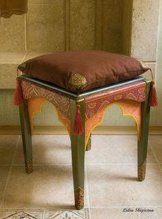 восточный интерьер, табурет в восточном стиле, подушка в восточном стиле, декор интерьера