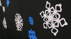 Descubra passo a passo de como fazer cristais de neve com papel de um jeito simples e fácil para tornar sua decoração de Natal mais colorida e divertida.
