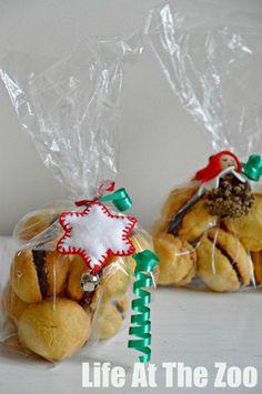 Presents Kids Can Make via www.lifeatthezoo.com