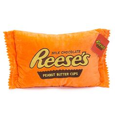 Reese's is a ridiculously good combination of chocolate and peanut butter no one can resist. Get all your Reeses favorites in one place at Candy Warehouse! Candy Pillows, Food Pillows, Cute Pillows, Peanut Butter Candy, Chocolate Peanut Butter Cups, Yummy World, Cupcake Pictures, Big Plush, Cute Room Decor