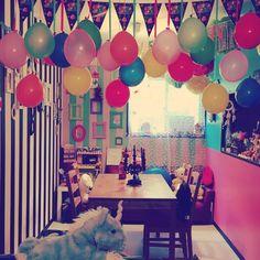 Birthday home decoration with balloons Birthday Room Decorations, Diy Party Decorations, Balloon Decorations, Theme Star Wars, Deco Ballon, Happy Birthday, Birthday Parties, Balloon Columns, Glow Party