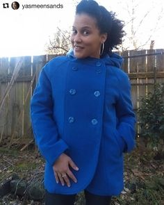 #yasmeensands shares her gorgeous Yuzu coat! Love the royal blue and it had a hood. Thank you @yasmeensands for sharing the photo. #sewing #naaien #wafflepatterns #ソーイング