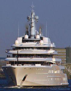The World's Largest 557-foot Mega Yatch ECLIPSE belongs to Russian Billionaire Roman Abramovich. It was built in Hamburg shipyard «Blohm + Voss».