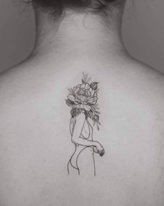 22 Black Fine Line Tattoos von Rising Star Phoebe Hunter Source by Mini Tattoos, Head Tattoos, Love Tattoos, Body Art Tattoos, Small Tattoos, Tatoos, Buddha Tattoos, Awesome Tattoos, Tattoo Band