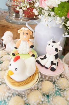 Cupcakes para festa com tema Animais  da Quinta (organizada pela Lima Limão)