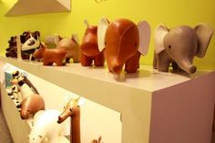 Adorable Animal Book Ends for #babyroom