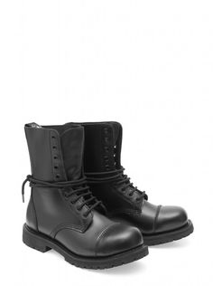En Sendra Boots creamos botas con carácter propio. #Sendra #Boots #Botas #Man #Biker