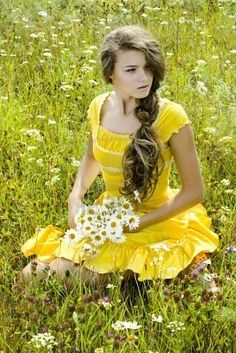 ✿pretty yellow dress✿, perfect for summer!  Great picture!