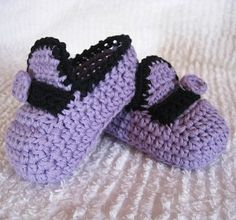 Baby Moccasins - free crochet baby booties pattern! #crochet
