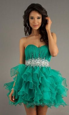 OMG!!! Totally a gorgeous dress. Definitely a dress to wear to a dance or formal.