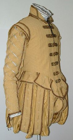 Yellow Gold Man's Elizabethan Costume  / http://lynnmcmasters.com