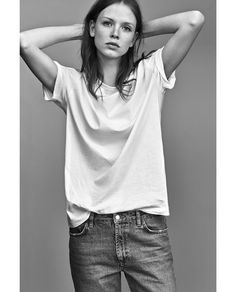 Discover the new ZARA collection online. The latest trends for Woman, Man, Kids and next season's ad campaigns. Zara, Denim Fashion, Fashion Outfits, Womens Fashion, Kylie, Marc Jacobs, Estilo Jeans, Tomboy Chic, Mode Jeans