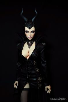 https://flic.kr/p/zDg9Wg   Iplehouse Doria BJD as Maleficent by Pepstar   Iplehouse Doria in her new Maleficent outfit. Face-up by Pepstar.