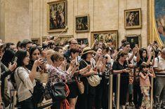 Tourists taking photos at the Louvre Museum in Paris. New Travel, Paris Travel, France Travel, Luxury Travel, Travel Goals, Luis Xvi, Visit France, Paris City, Paris Paris