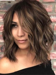 15 Trending hair colors for Fall 2018 (Pin now read later) – Elm Drive Designs - Easy Hair Styles Fall Hair Color For Brunettes, Fall Hair Colors, Brown Hair Colors, Cool Hair Color, Hair Color For Spring, Color For Short Hair, Big Spring, Medium Hair Styles, Curly Hair Styles