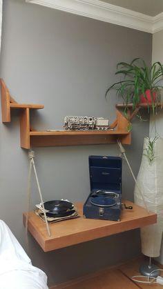 Dekoratif ahşap raf ünitesi / decorative wood shelfs