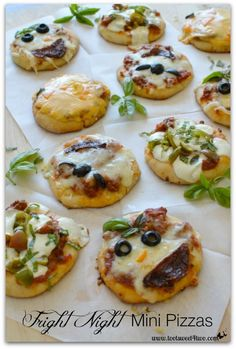 Eeriesistible Fright Night Mini Pizzas - Toot Sweet 4 Two Mini Pizza Recipes, Snack Recipes, Appetizer Recipes, Appetizers, Pasta Recipes, Special Recipes, Great Recipes, Favorite Recipes, Mini Pizzas