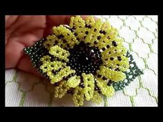 YouTube Jewelry Making Tutorials, Beading Tutorials, Craft Tutorials, Bead Earrings, Crochet Earrings, Flower Video, Beaded Brooch, Flower Fashion, Bead Crafts