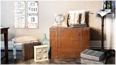 Na loftowym pchlim targu Estilo Retro, Home Living, Hope Chest, Entryway Bench, Storage Chest, Shabby, New Homes, House Design, Cabinet