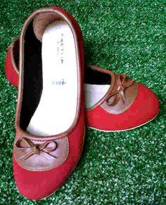 Flat shoes merah harga Rp 40.000