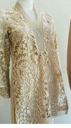 Trendy Dress Brokat Panjang Source by brokat Kurti Designs Party Wear, Kurta Designs, Blouse Designs, Kebaya Lace, Kebaya Dress, Trendy Dresses, Casual Dresses, Fashion Dresses, Dress Brokat