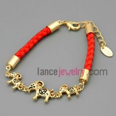 Pleasant chain link bracelet with three sheep decoration