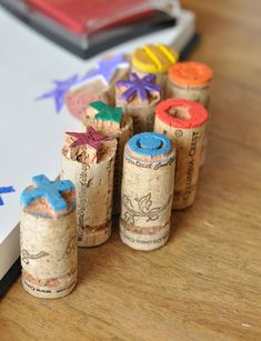 Cork crafts For Kids - Perfect Gift with Design Mom Cork Stamps Kids Crafts, Craft Projects, Arts And Crafts, Paper Crafts, Recycling Projects, Easy Crafts, Easy Diy, Cork Art, Wine Cork Crafts