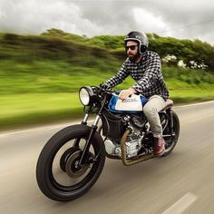 """HondaCafeRacers su Instagram: """"Big fan of @woodgates_motorcycles CX500! What do you guys think? #motorcycle #bike #ride #motorcycles #honda #vintage #caferacer #jdm #cx500 #hondacaferacers"""""""