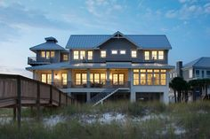 This beachfront Perdido Key, Florida home by Cindy Meador Interiors is such a dream! The talented designer out of Gulf Shores, Alabama worked with Dalrymple Sallis Architecture and Old South Constr… Coastal Cottage, Coastal Homes, Coastal Living, Beach Homes, Beachfront House, House Of Turquoise, Nautical Home, Florida Home, Beach Cottages