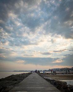 #Nubes #espigon #mediterraneo #clouds #mediterranean #lightroom #hdr #iphone7plus