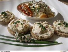 Pomazánka se sušenými rajčaty a pečeným česnekem Baked Potato, Potato Salad, Food And Drink, Rice, Potatoes, Baking, Ethnic Recipes, Desserts, Dessert Ideas