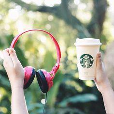 #nowplaying @lanadelrey - Coachella - Woodstock In My Mind 🎧 ouça essa e outras novidades em nossa #Freshlist! Clink no link da bio e aperte o play. 🎶  .  .  .  .  .  .  .  #teclamusic #tecla #teclamusicagency #music #sound #wesoundthink #headphone #coffee #pinterest #abmlifeiscolorful #inspiragram