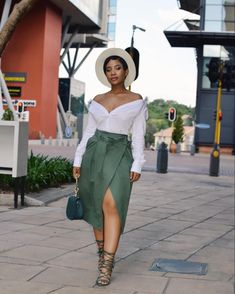 Fashion Styles for Ladies: 25 Great Women Casual Outfits to Try size fashion for women black girl Black Girl Fashion, Curvy Fashion, Look Fashion, Plus Size Fashion, Fashion Styles, Classy Fashion, Classy Outfits, Chic Outfits, Fall Outfits