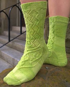 Absinthe Sock Pattern by Sara Morris - really like the top of the foot detail!