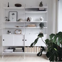 Home Decor Living Room Shelves Narrow Living Room, Living Room Shelves, Home Living Room, Living Room Decor, Home Decor Furniture, Furniture Design, String Regal, Black And White Furniture, Deco Addict