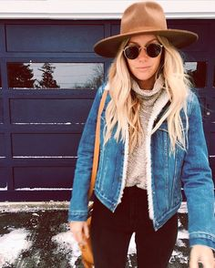 Teen girl outfit: zoom on the fall-winter trends - Sandra Marques - - Tenue ado fille : zoom sur les tendances automne-hiver trendy look idea holding teen look trendy teen girl fall winter 2017 2018 hipster girl look jean jacket - Outfits With Hats, Mode Outfits, Casual Outfits, Fashion Outfits, Womens Fashion, Fashion Ideas, Black Outfits, Black Hat Outfit, Casual Dresses