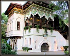 Casa Doina Bucharest Romania credit for the photos Beautiful Castles, Beautiful Buildings, Beautiful Homes, Architecture Old, Beautiful Architecture, Around The World In 80 Days, Around The Worlds, Hut House, Little Paris
