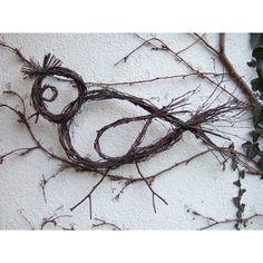 Ptáček větevníček Ptáček z březového proutí,velikost cca 75x40cm,lépe pták :-),třeba k další dekoraci...