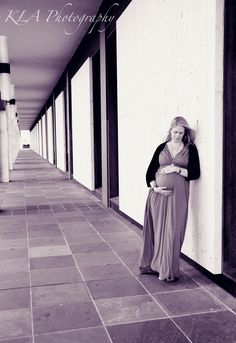 Maternity Session @ the National Library of Australia