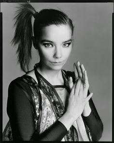 Björk clicada por Richard Avedon
