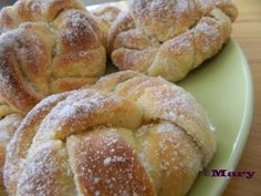 Vaniljaiset kristallipullat Dessert Recipes, Desserts, Recipe Box, Muffins, Bakery, Food And Drink, Rolls, Sweets, Bread